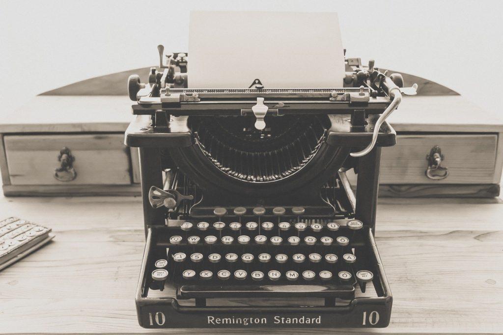Machine à écrire Remington Standard.